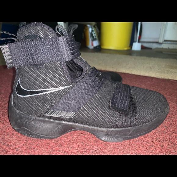 cheaper 38f2d 3edf9 Nike LeBron Soldier 10s